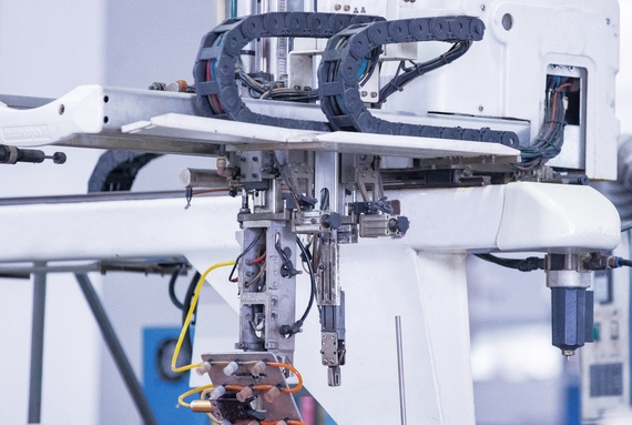 my countrys injection molding machine manipulator industry may welcome development opportunities