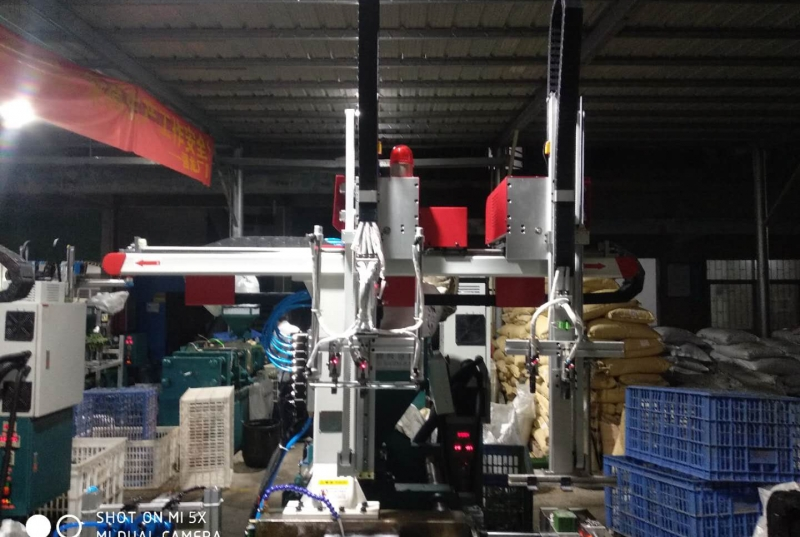 What are the main types of injection molding machines, how to choose?